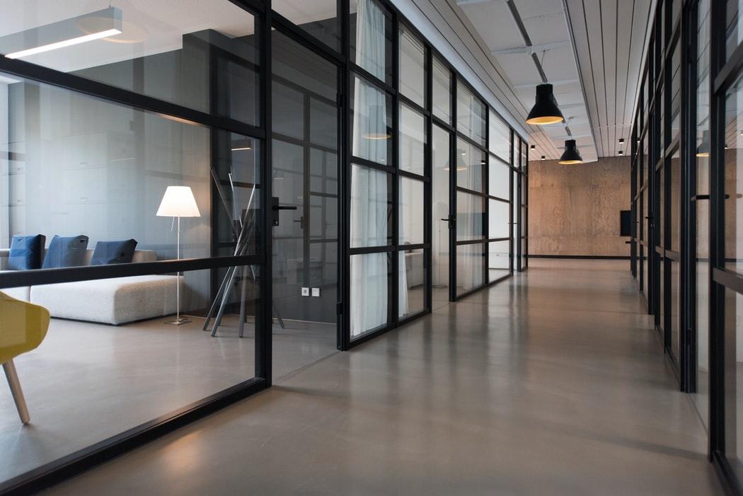Wat zijn de voordelen van een gedeeld kantoor voor jouw bedrijf?